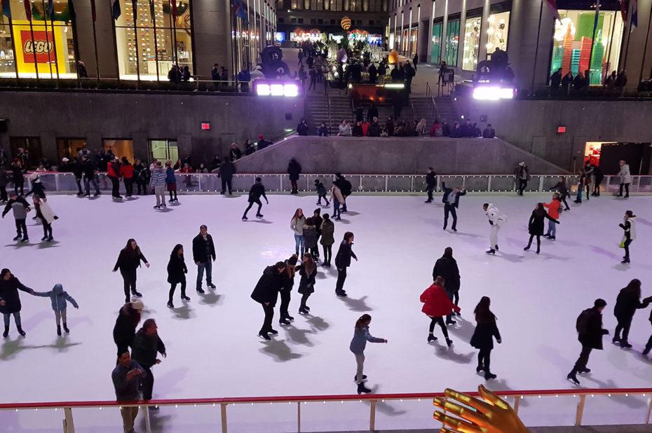 La patinoire peut accueillir jusqu'à 150 visiteurs