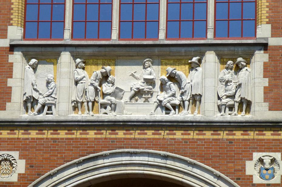 Fresque décorant la façade du Rijksmuseum