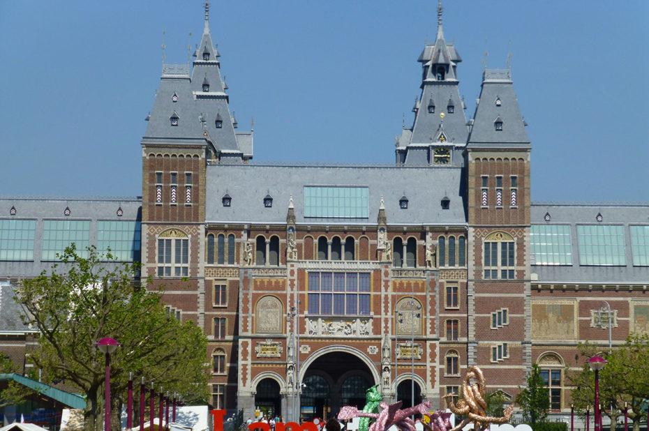 Le Rijksmuseum a ouvert en 1885 et compte 1 million d'œuvres