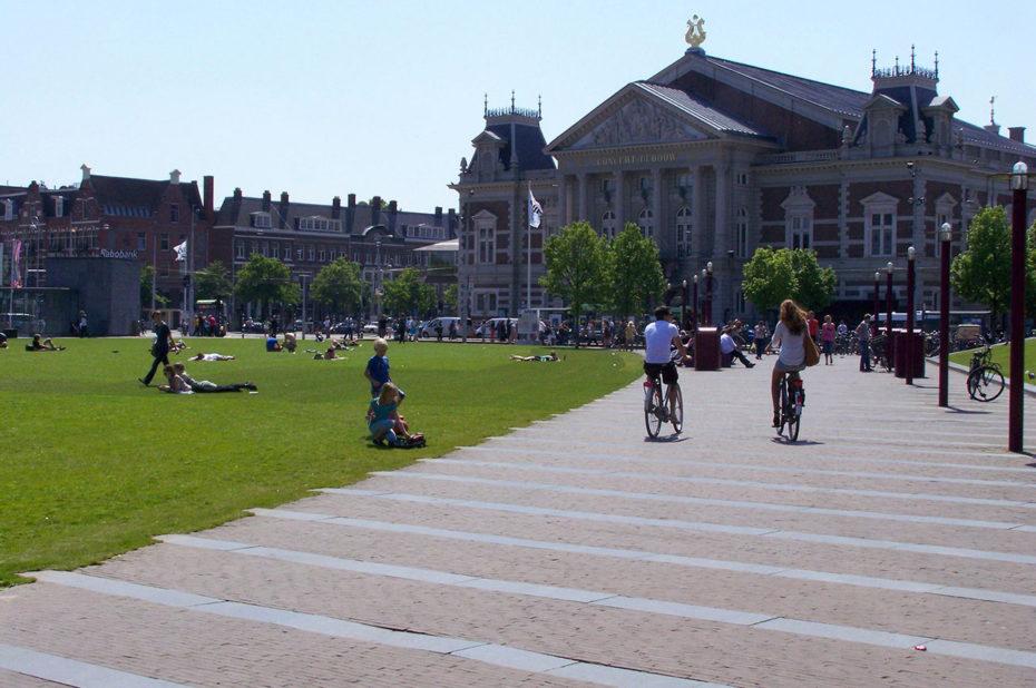 Sur la place du musée, ou Museumplein