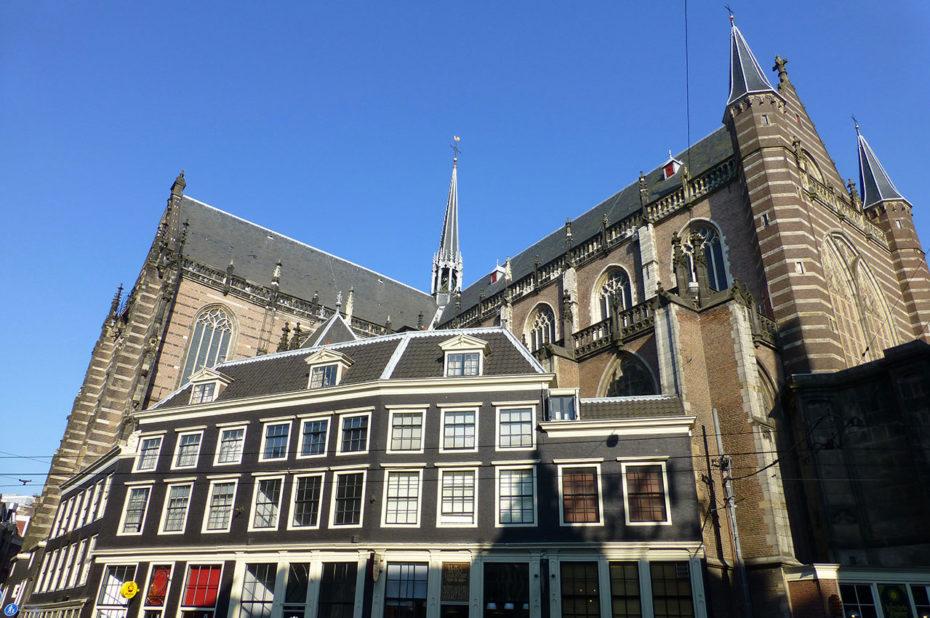 L'église Nieuwe Kerk, de style gothique