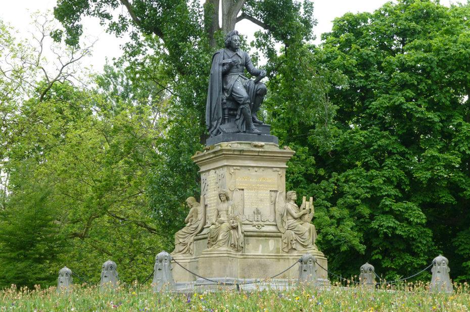 Statue de Joost van den Vondel