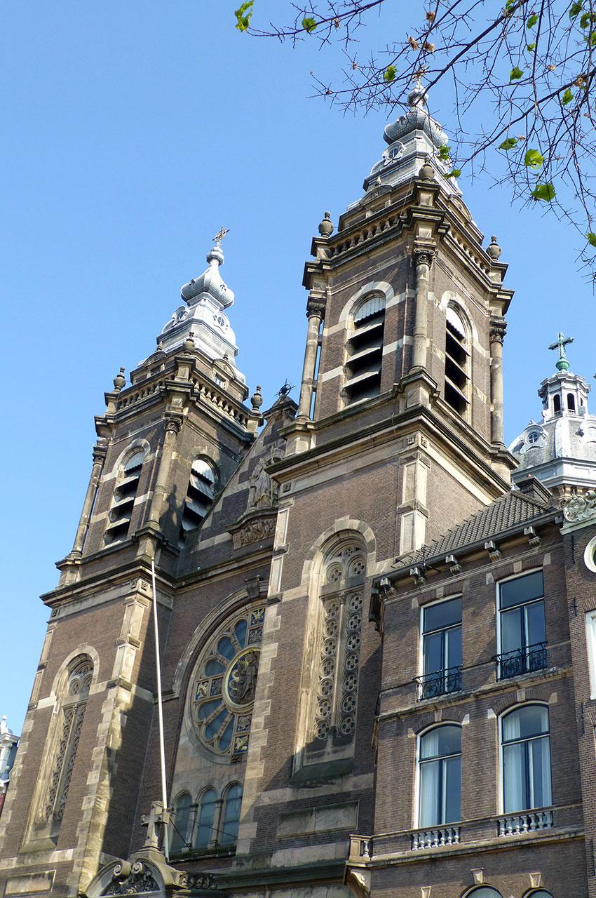 Les tours de l'église Saint-Nicolas
