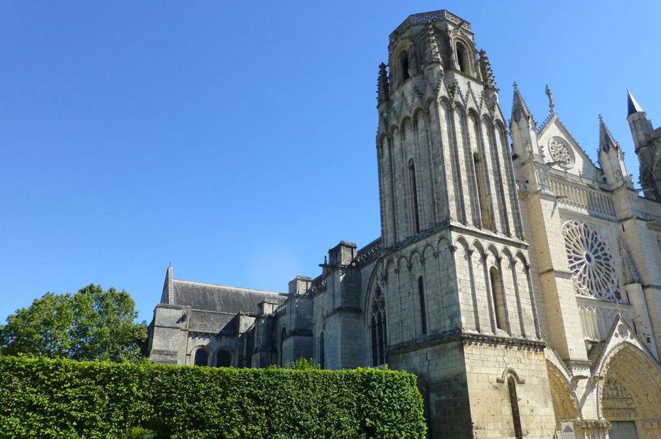 La cathédrale catholique romaine Saint-Pierre de Poitiers
