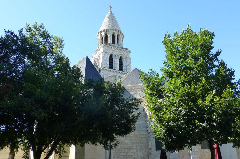 Église romane Notre-Dame la Grande