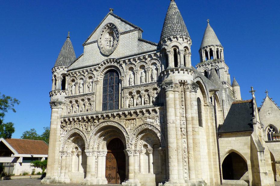 Façade sculptée de l'église Notre-Dame la Grande