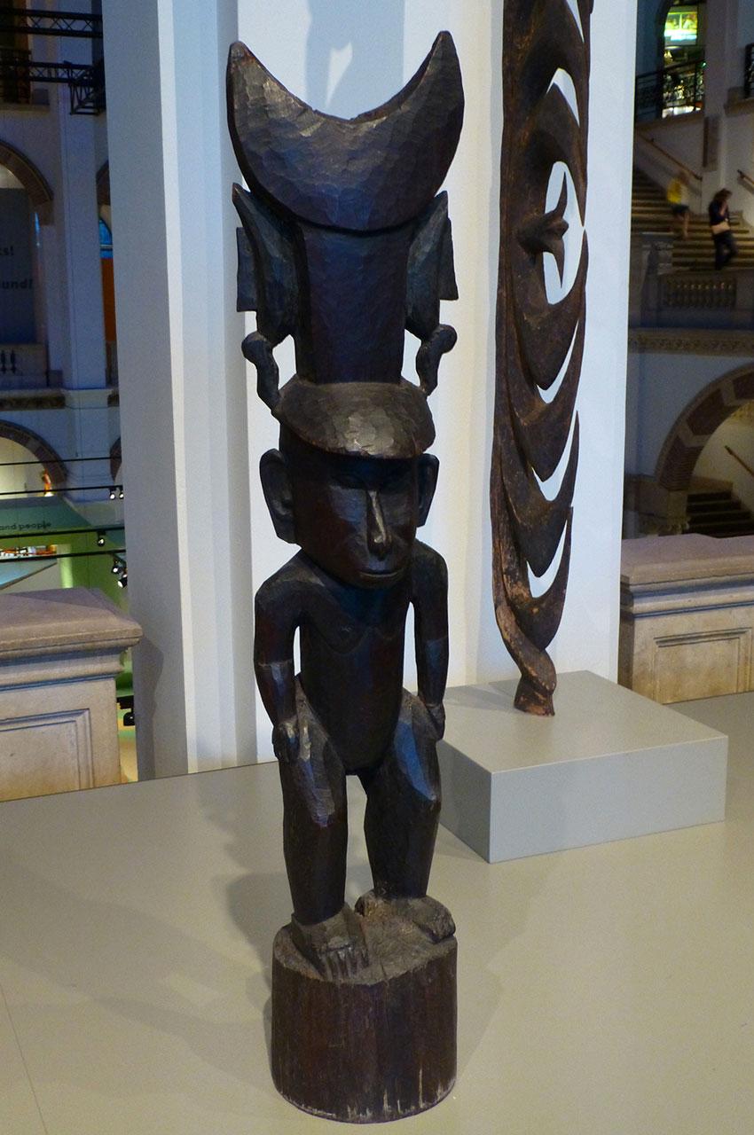 Statuette originaire de Papouasie Nouvelle-Guinée