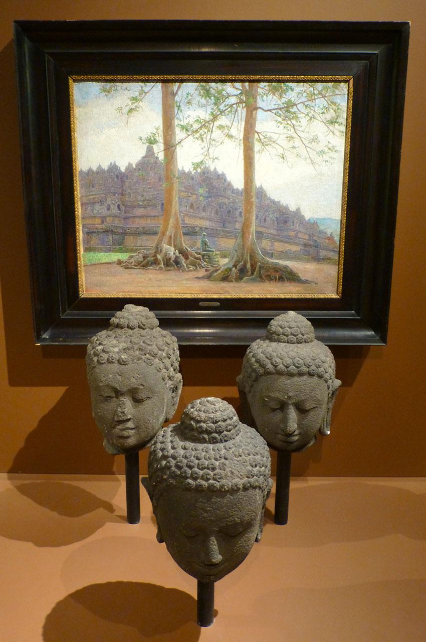 Têtes de Bouddha du temple Borobudur