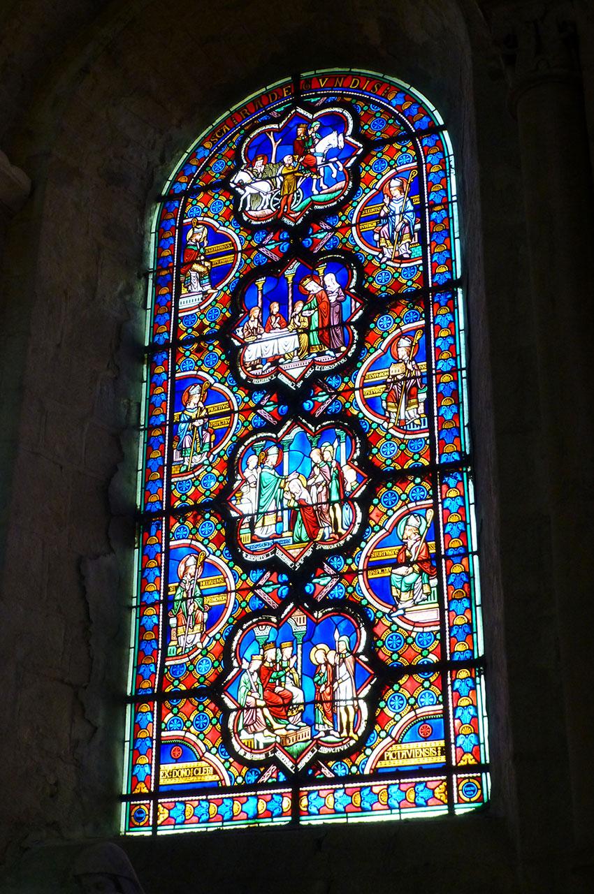 Vitrail sur la vie de sainte Radegonde