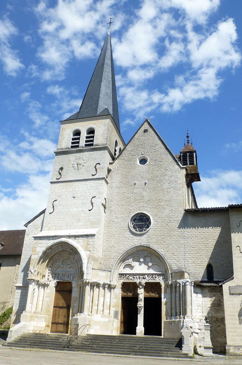La façade de l'abbatiale de l'Abbaye