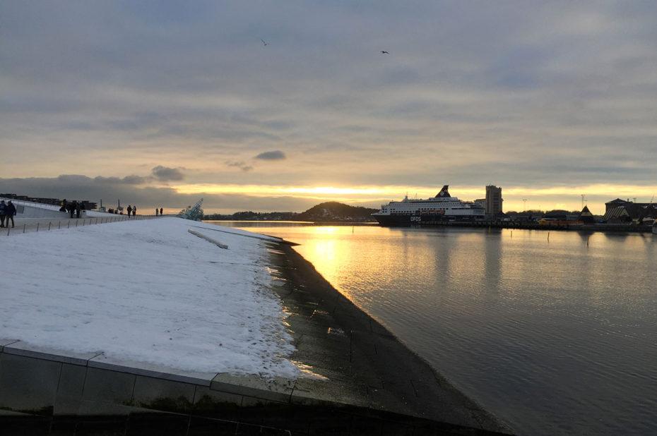Aux abords de l'opéra d'Oslo