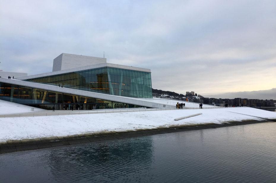 L'opéra d'Oslo, célèbre pour son architecture originale, a été inauguré en 2008
