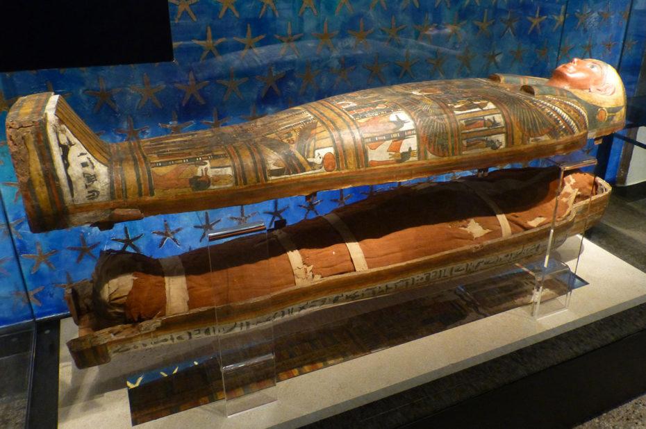 Cercueil de Dismutenibtes, fille du contremaître du temple