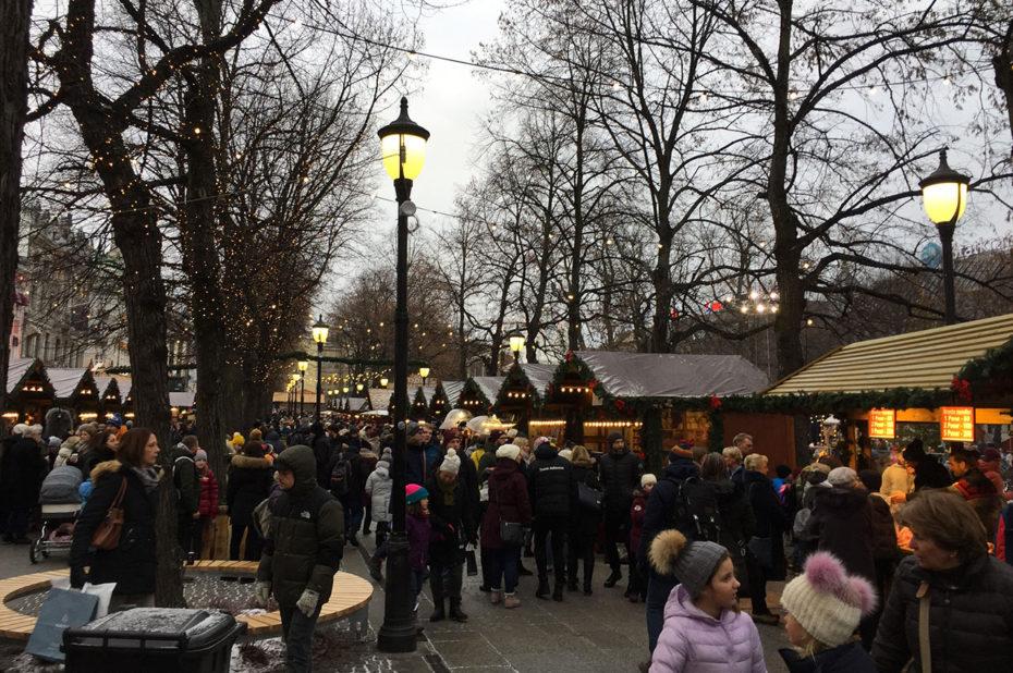 Le marché de Noël de Spikersuppa est aussi très animé de jour