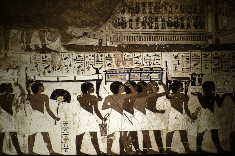 Peintures et hiéroglyphes égyptiens