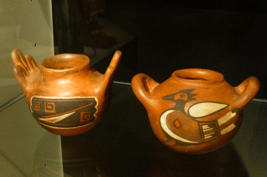Pots de terre cuite peints