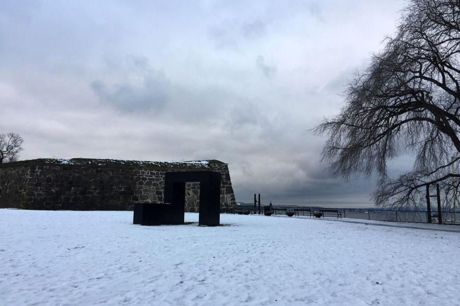 Aux abords de la forteresse Akershus