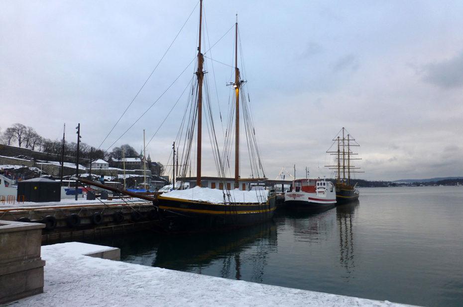 Bateaux dans le port d'Aker Brygge