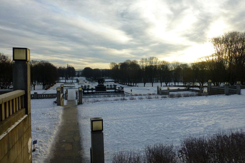 Calme et quiétude au parc Vigeland le jour de Noël