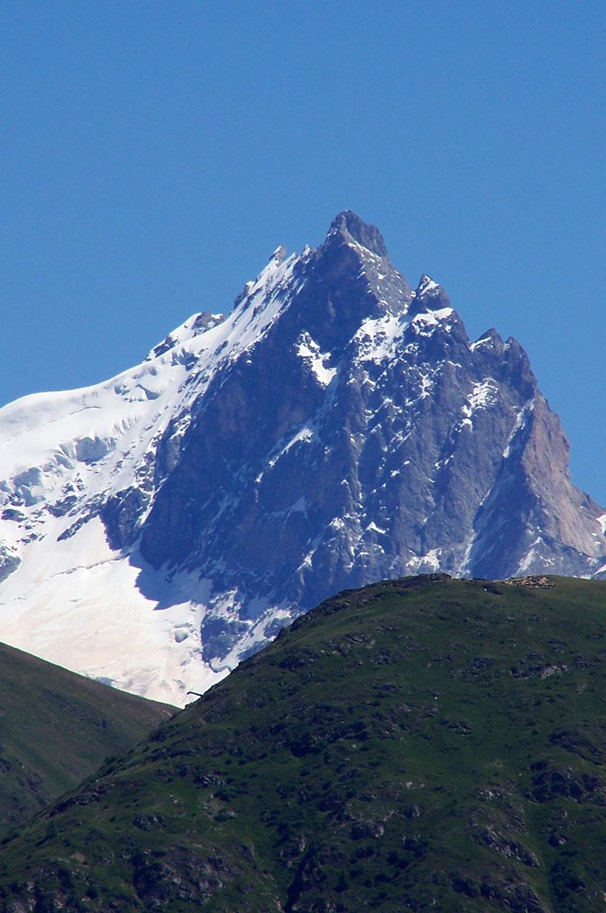 La Meije, vue de l'Alpe d'Huez, qui culmine à 3984 m