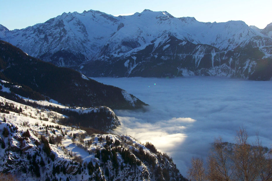 Mer de nuages sur la vallée