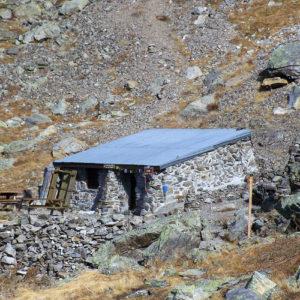 Le petit refuge de la Fare peut accueillir 12 personnes