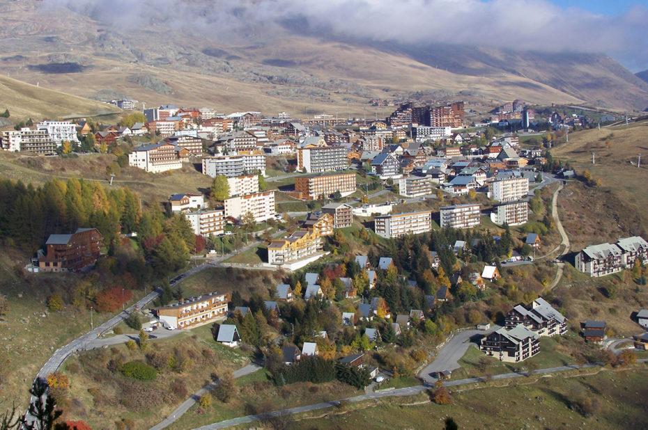 La station de l'Alpe d'Huez aux couleurs de l'automne