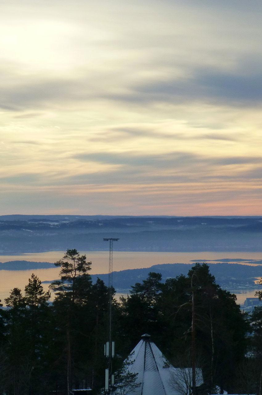 Vue sur le fjord d'Oslo depuis Holmenkollen