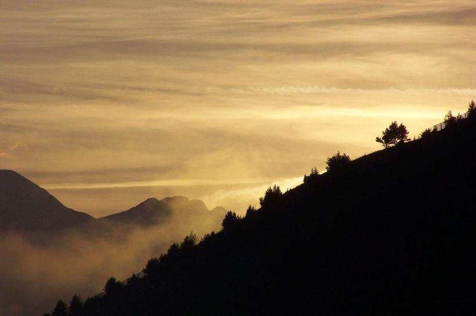 Chemin des crêtes au coucher de soleil