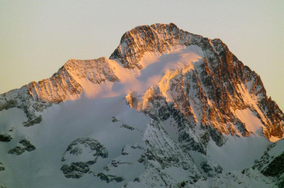 Coucher de soleil sur la Muzelle, sommet du massif des Écrins