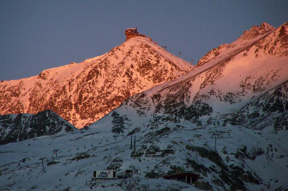 Coucher de soleil sur le Pic Blanc à 3330 m