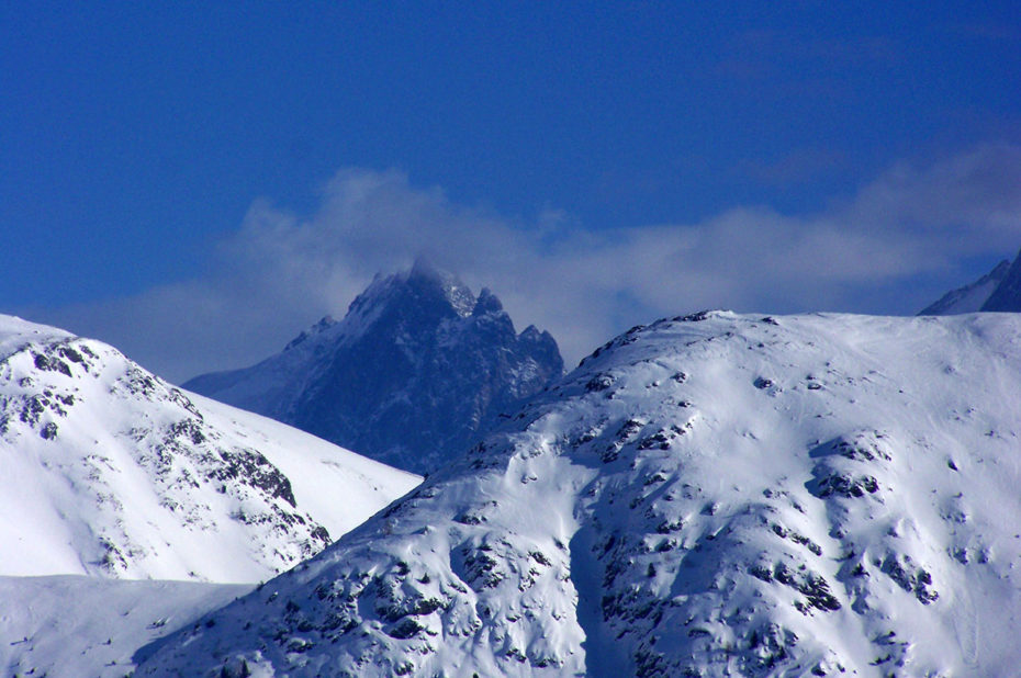 La Meije dans les nuages vue depuis l'Alpe d'Huez