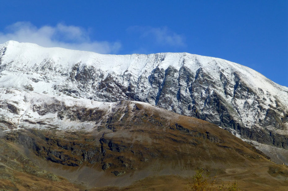 Une fine couche de neige a saupoudré les Grandes Rousses
