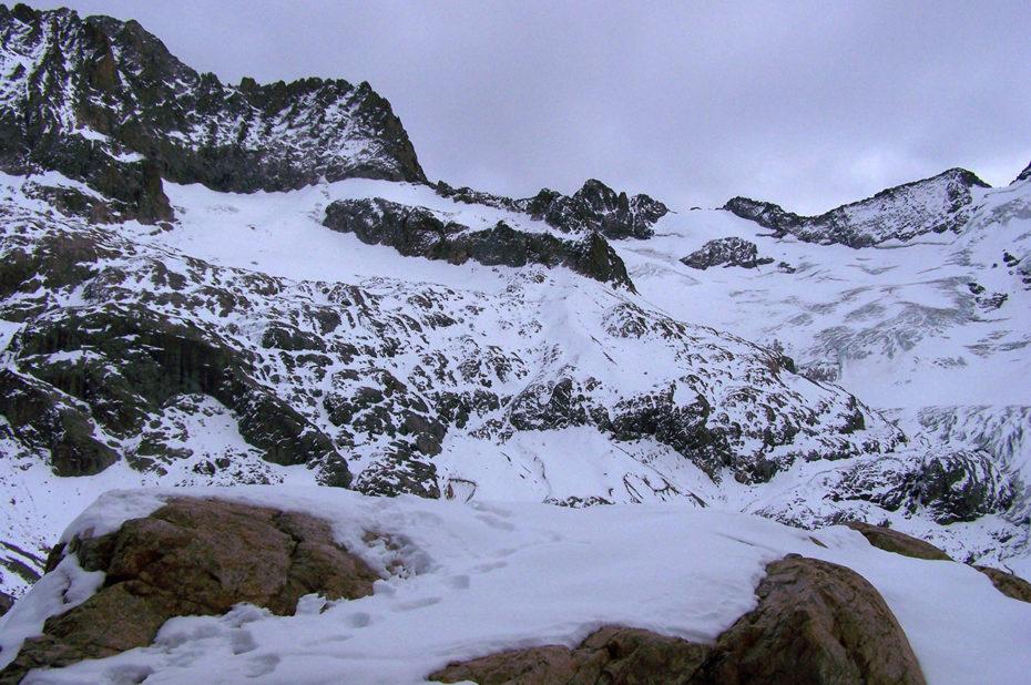 Ambiance hivernale en novembre au refuge de la Pilatte