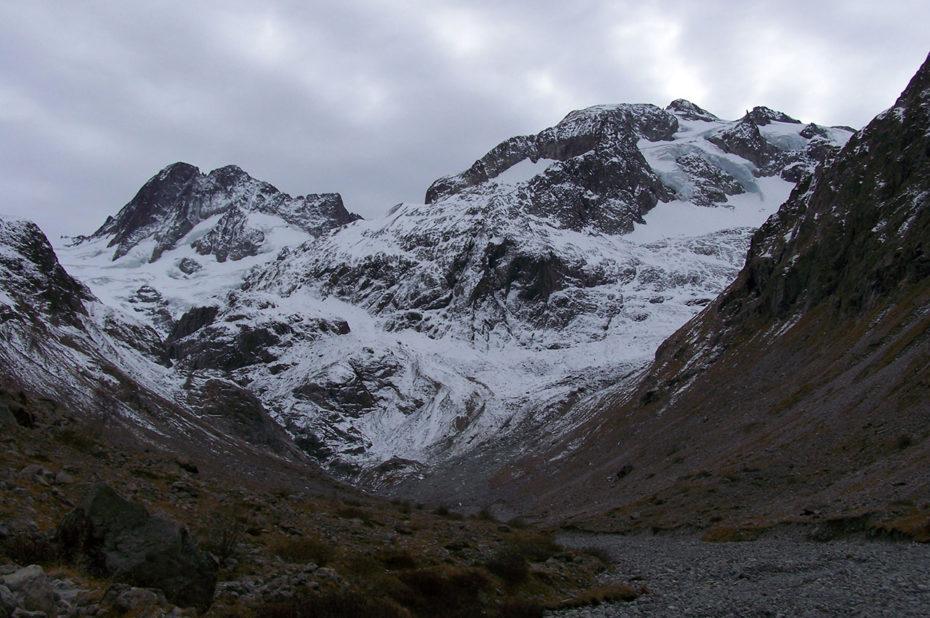Le Gioberney et son glacier vus du fond de la vallée