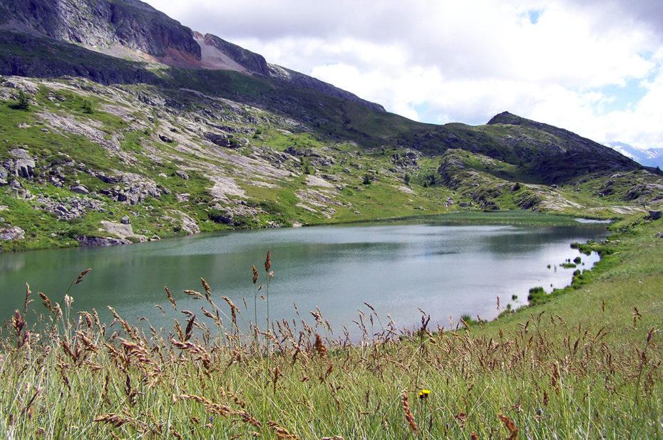 Le Lac Faucille en été, à 2063 m d'altitude