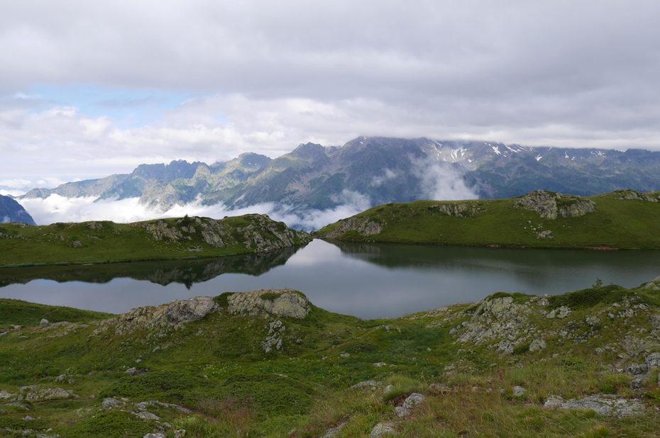 Le Lac Noir sous un ciel chargé