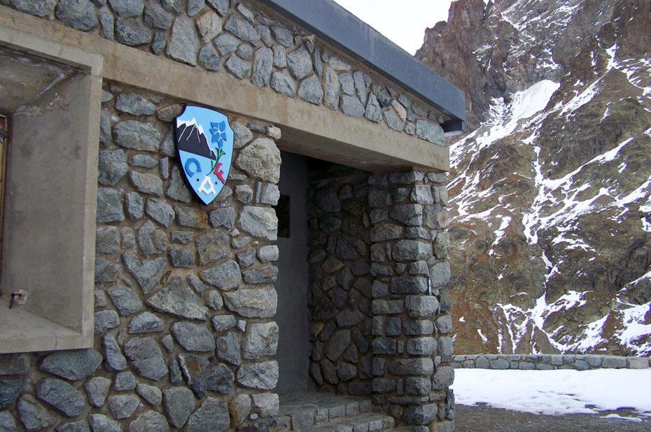 La porte du refuge de la Pilatte, fermé à cette période de l'année