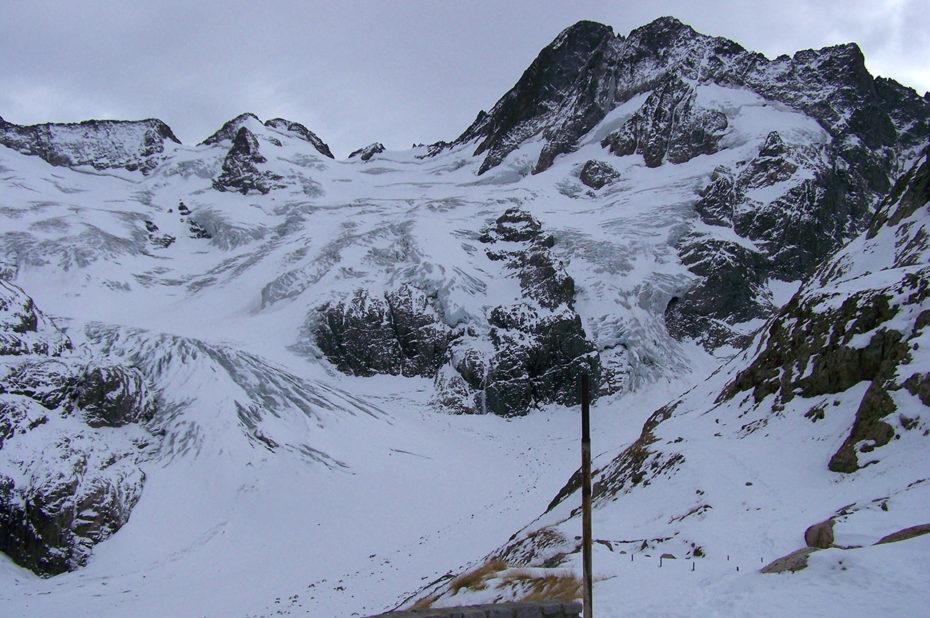 Vue sur le glacier depuis le refuge de la Pilatte