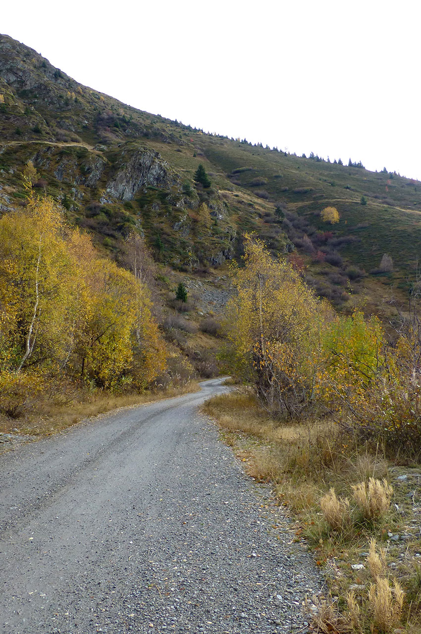 Le chemin vers le col de Cluy