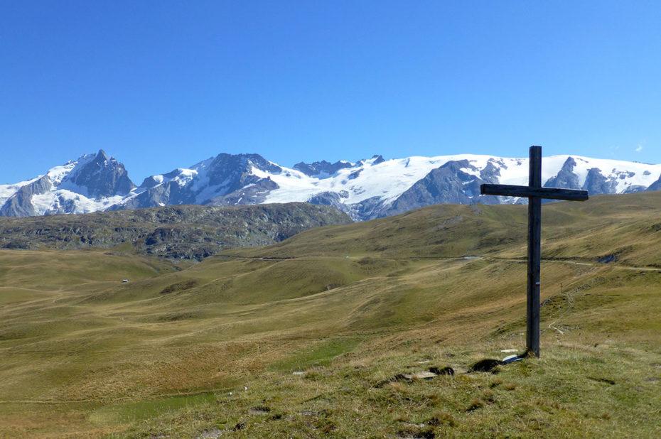 Croix sur le plateau d'Emparis