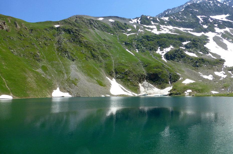 Les eaux vertes du lac de la Muzelle
