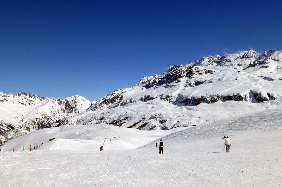 Un enneigement parfait pour une journée de ski ensoleillée