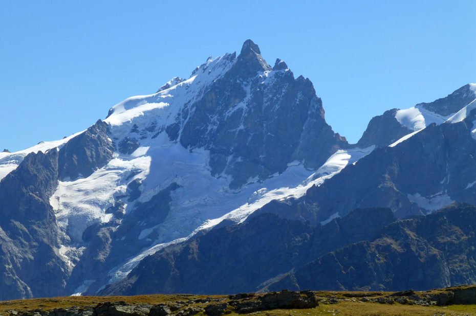 La Meije, deuxième plus haut sommet des Écrins après la Barre des Écrins