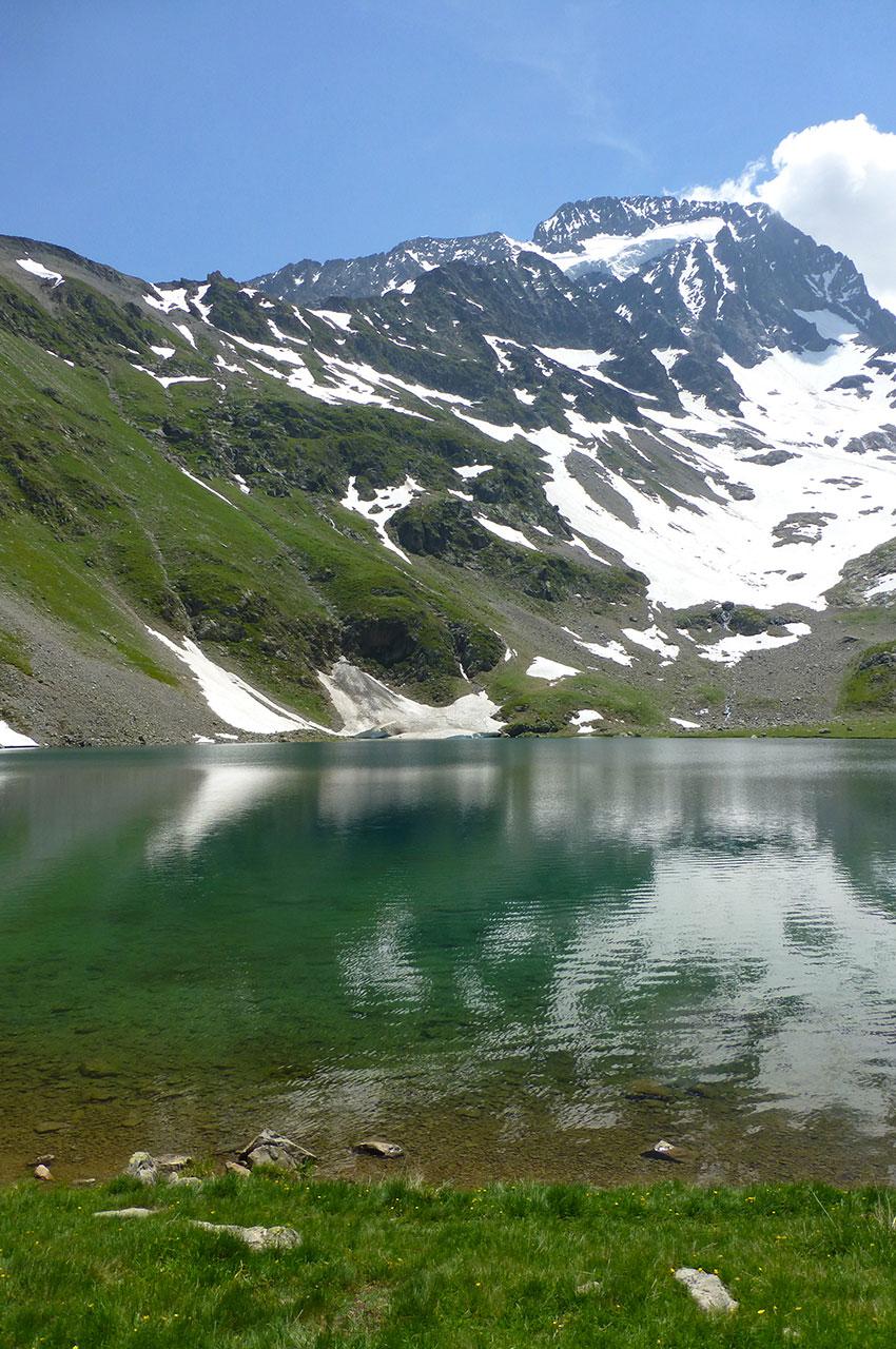 La Roche de la Muzelle et son magnifique lac