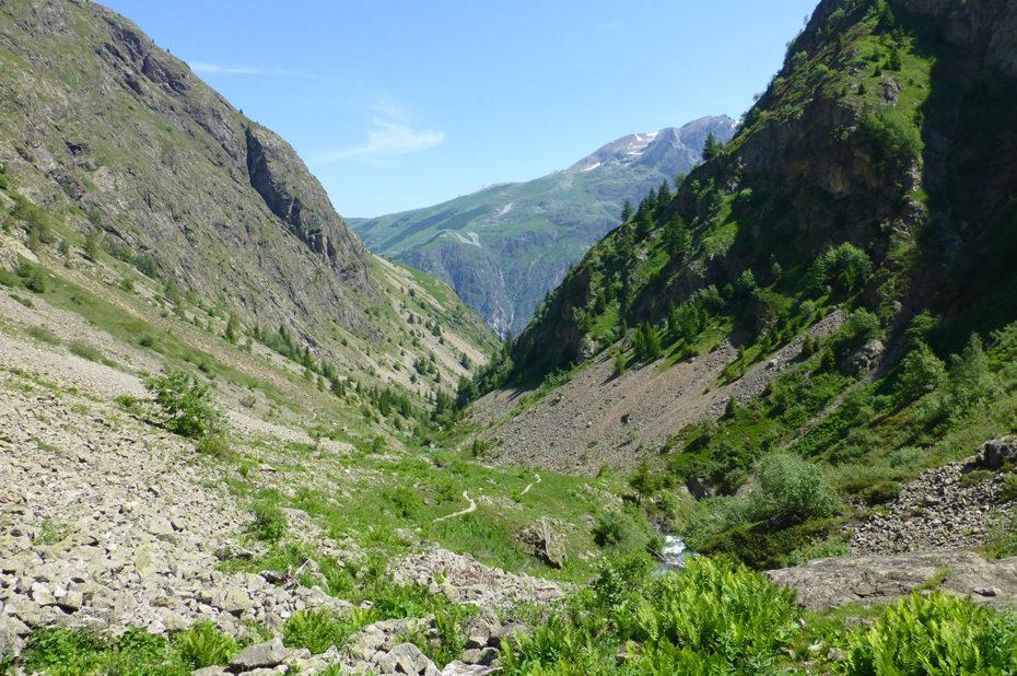 Le vallon qui monte depuis Venosc jusqu'au lac de la Muzelle