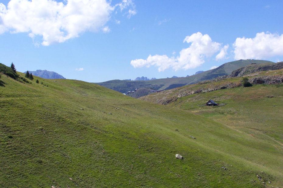 Des vallons verdoyants pour monter au col de Cluy