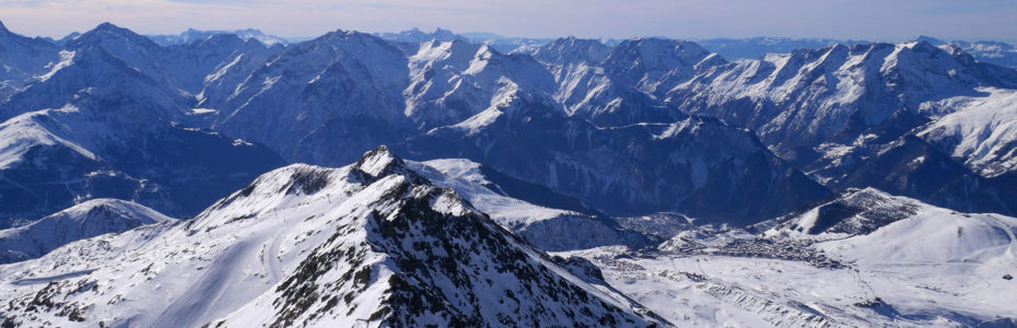 Vue sur un océan de sommets depuis le Pic Blanc à 3330 m