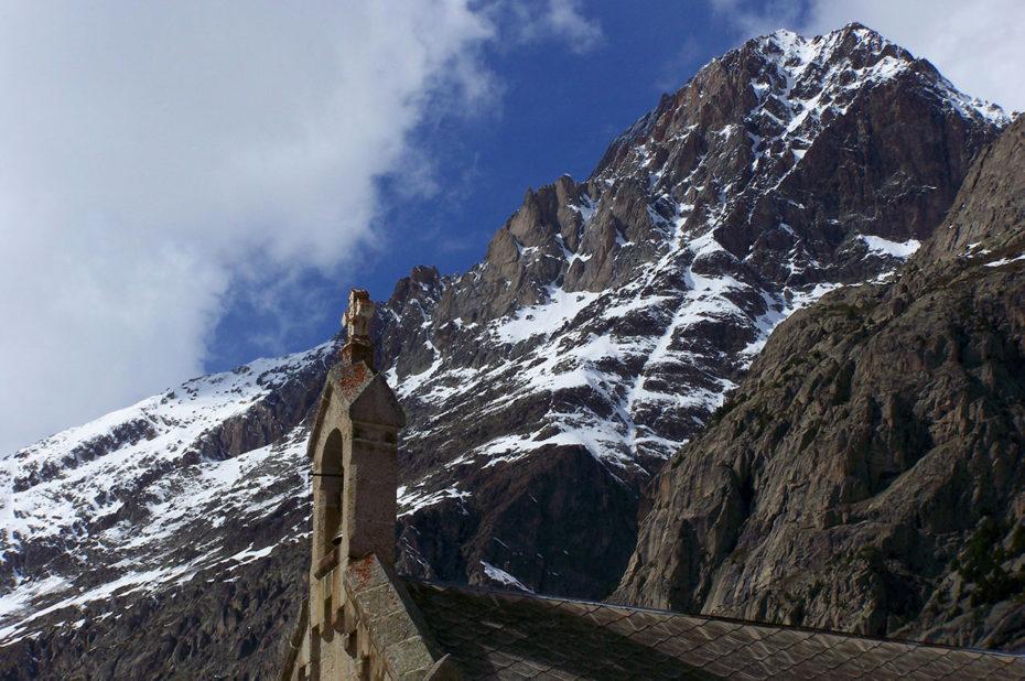 La montagne au-dessus de la chapelle de la Bérarde