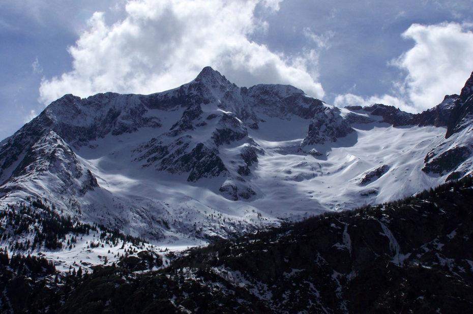 La pointe Swan culminant à 3294 m d'altitude